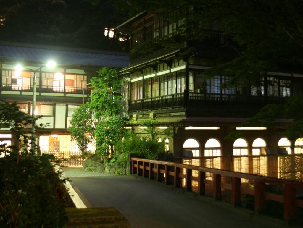 最古の旅館建築・積善館